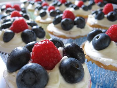 patriotic cupcakes fruit